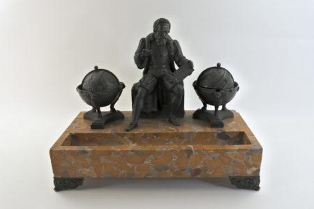 Calamaio in bronzo e marmo con figura di Galileo Galilei