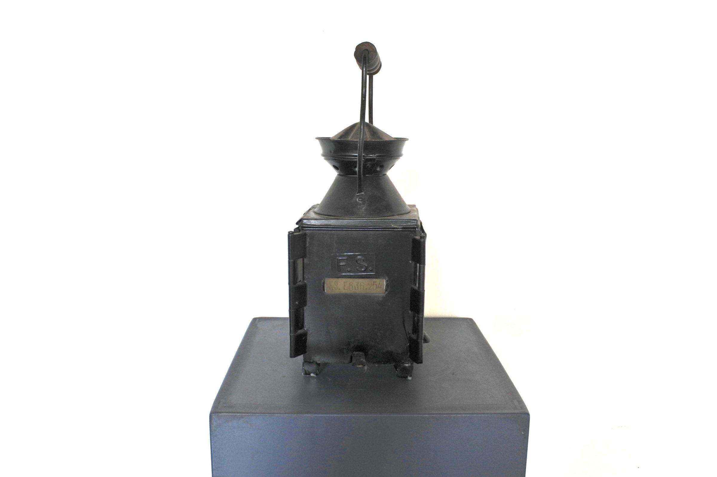 Lanterna da segnalazione a petrolio con vetri bianco rosso e verde - F.S - 3