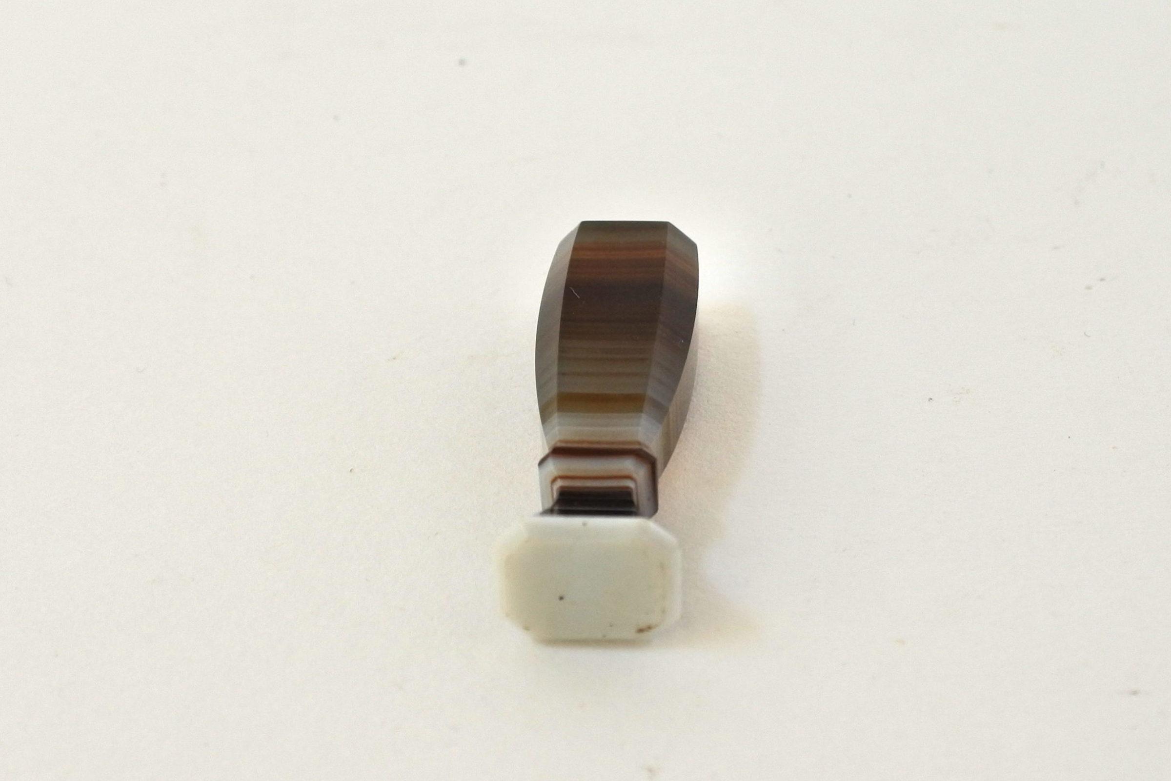 Piccolo sigillo in pietra dura con tipario da incidere - 5