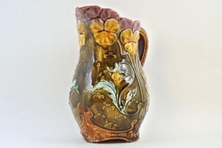 Brocca Onnaing in ceramica barbotine con viole del pensiero - Pensées