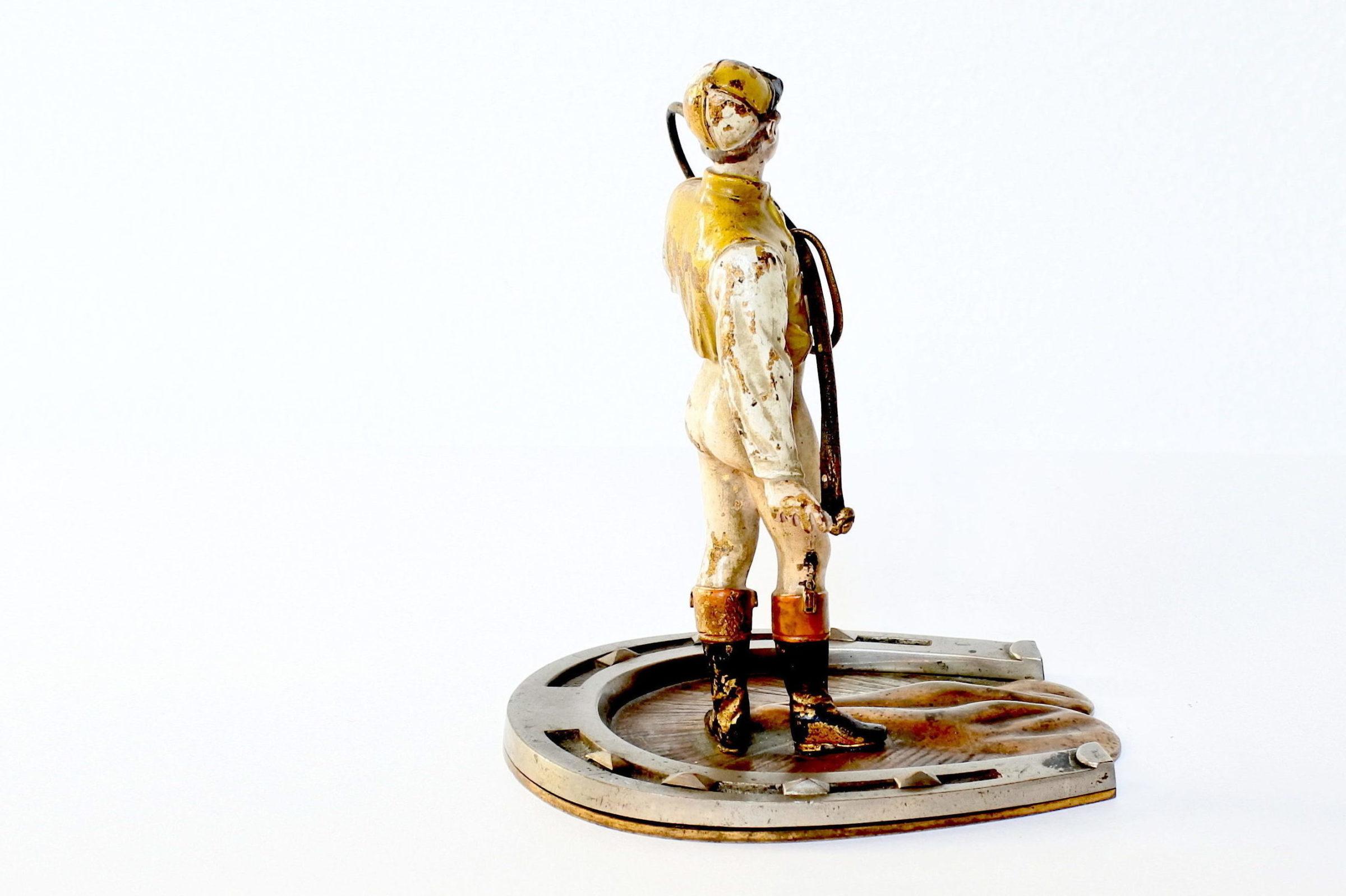 Bronzo di Vienna a forma di fantino con frustino - 3