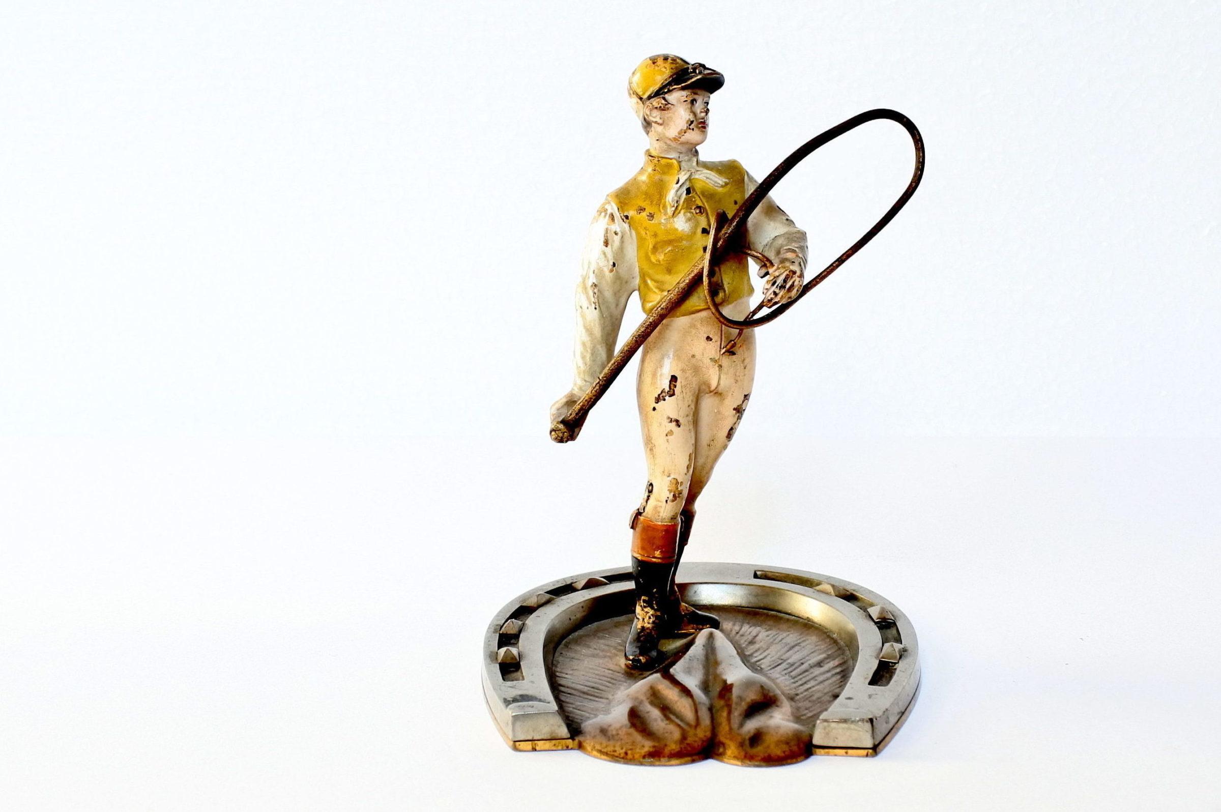 Bronzo di Vienna a forma di fantino con frustino - 4