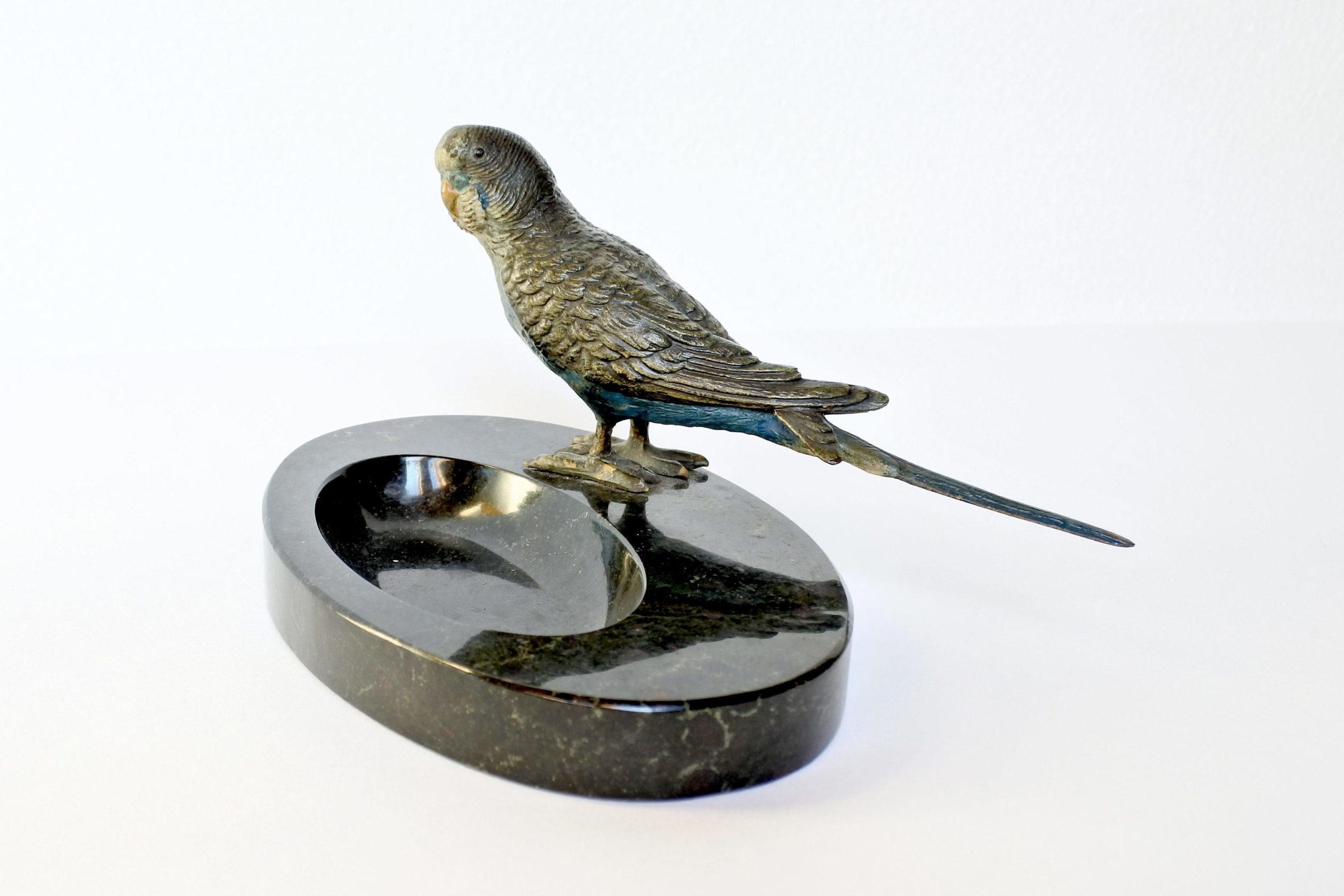 Posacenere o svuotatasche in marmo con pappagallo in bronzo di Vienna - 3