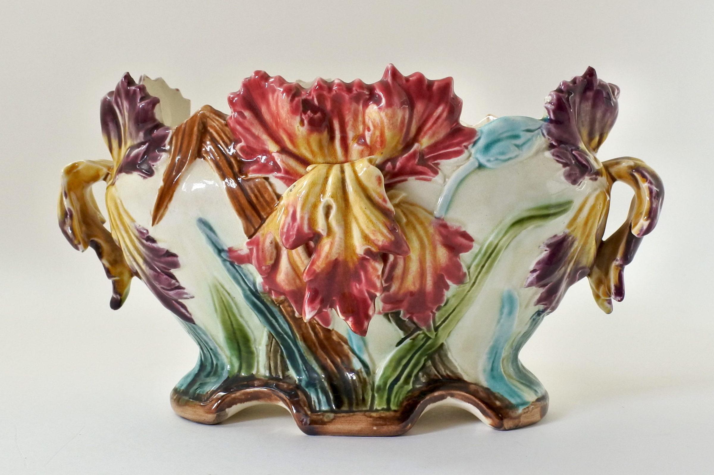 Jardinière Onnaing in ceramica barbotine con iris
