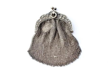 Borsellino in maglia d'argento - chiusura con decoro liberty
