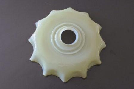 Vetro opalino incamiciato beige e avorio per lampada a sospensione