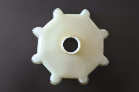 Vetro opalino incamiciato beige e bianco per lampada a sospensione