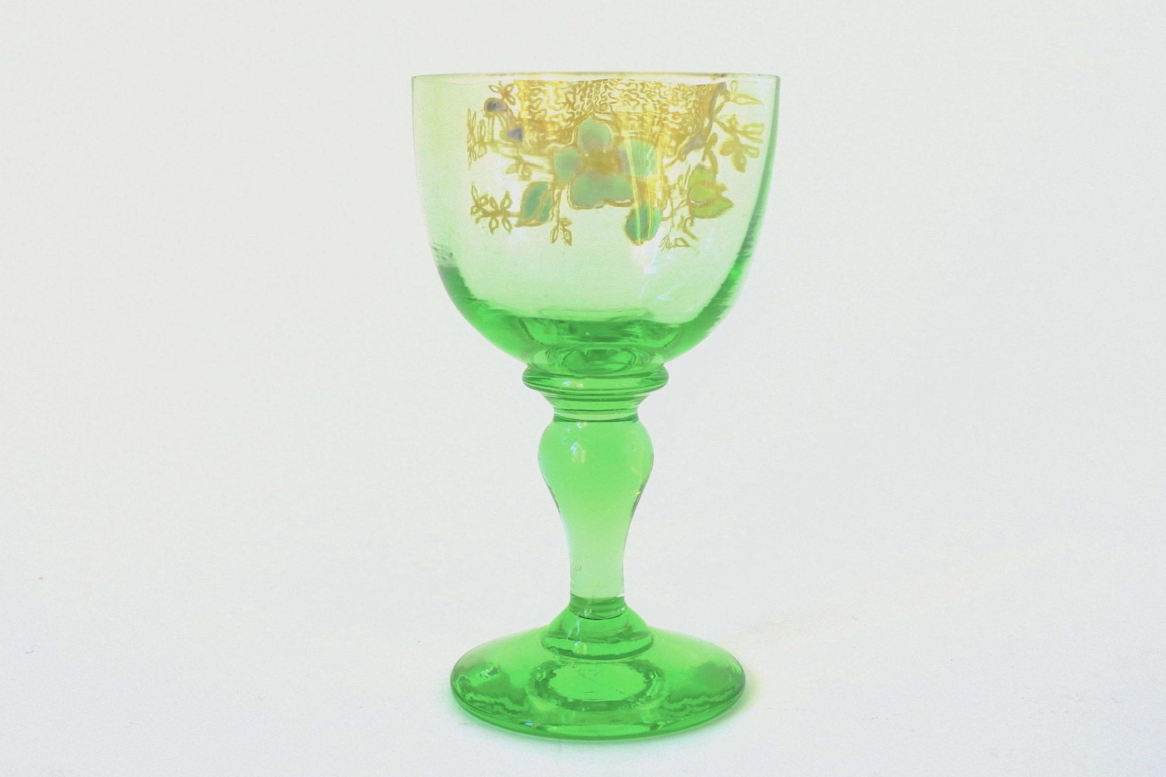 Bicchierino Legras in vetro soffiato verde e smalti - Altezza 7,8 cm - 2