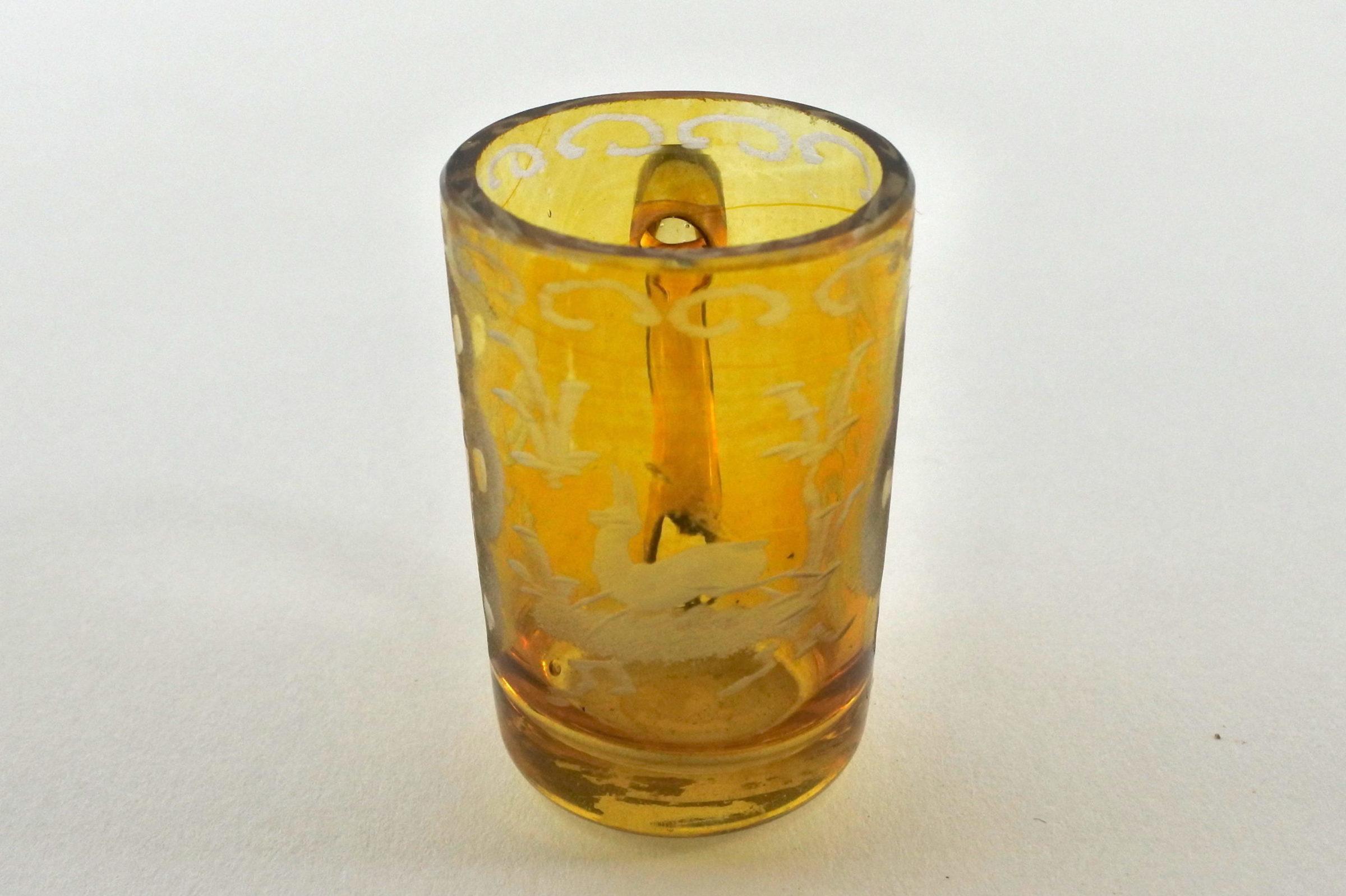 Bicchierino in vetro giallo soffiato e molato - 2