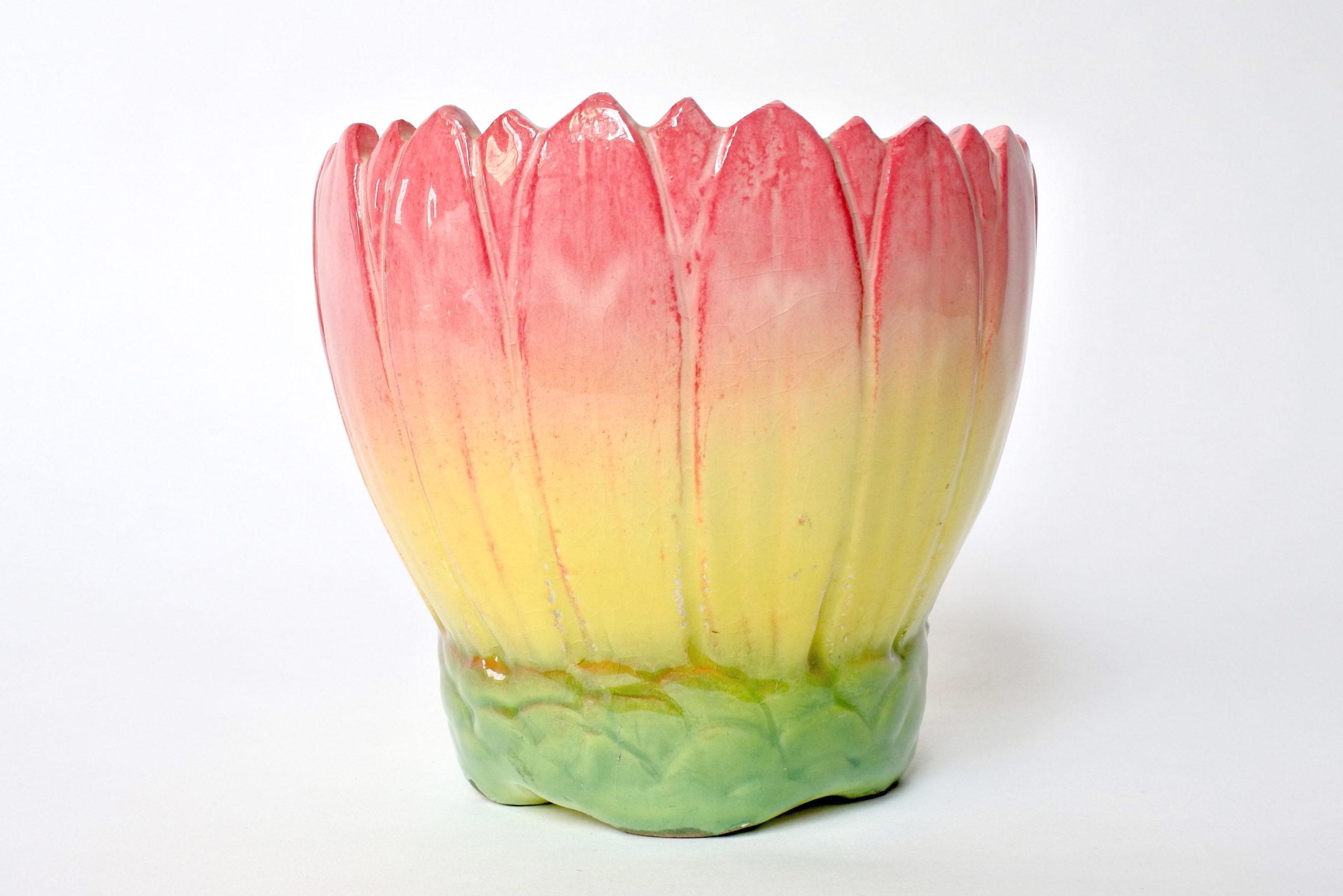 Cache pot Massier in ceramica barbotine a forma di corolla di fiore