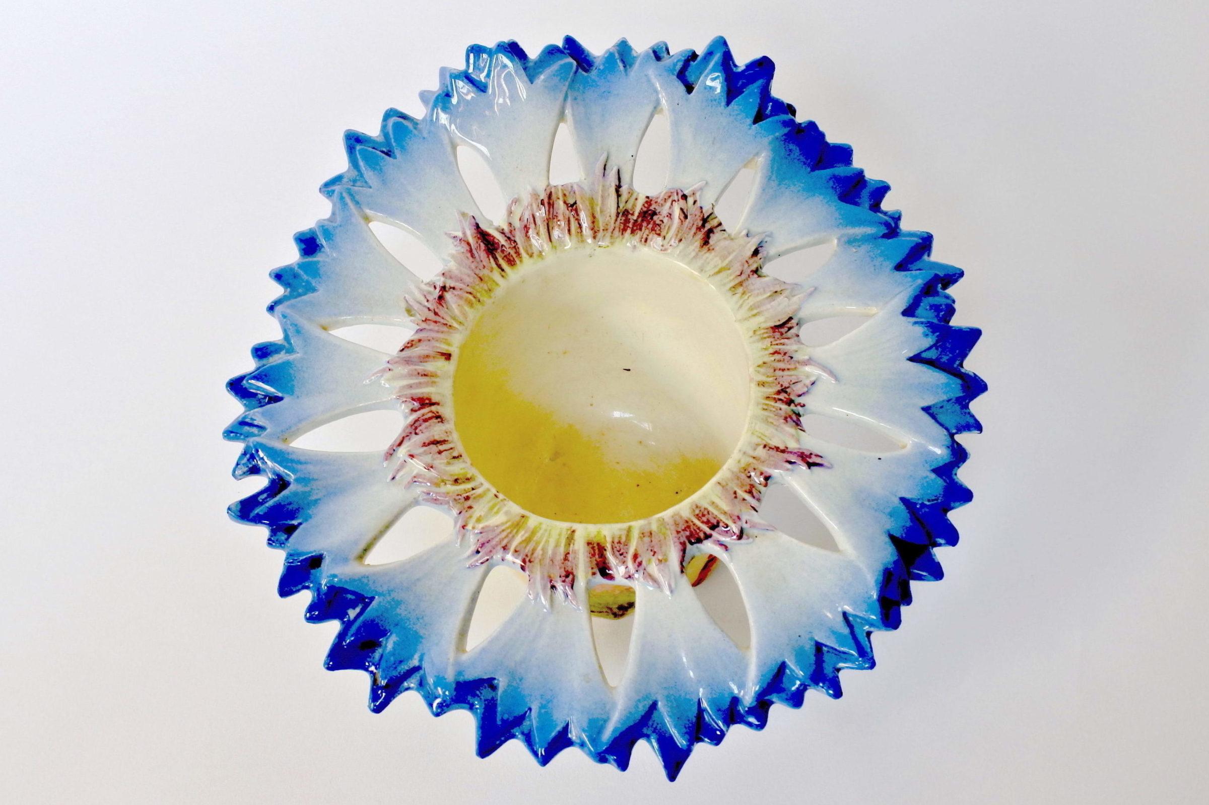 Cache pot Massier in ceramica barbotine a forma di fiordaliso - 5