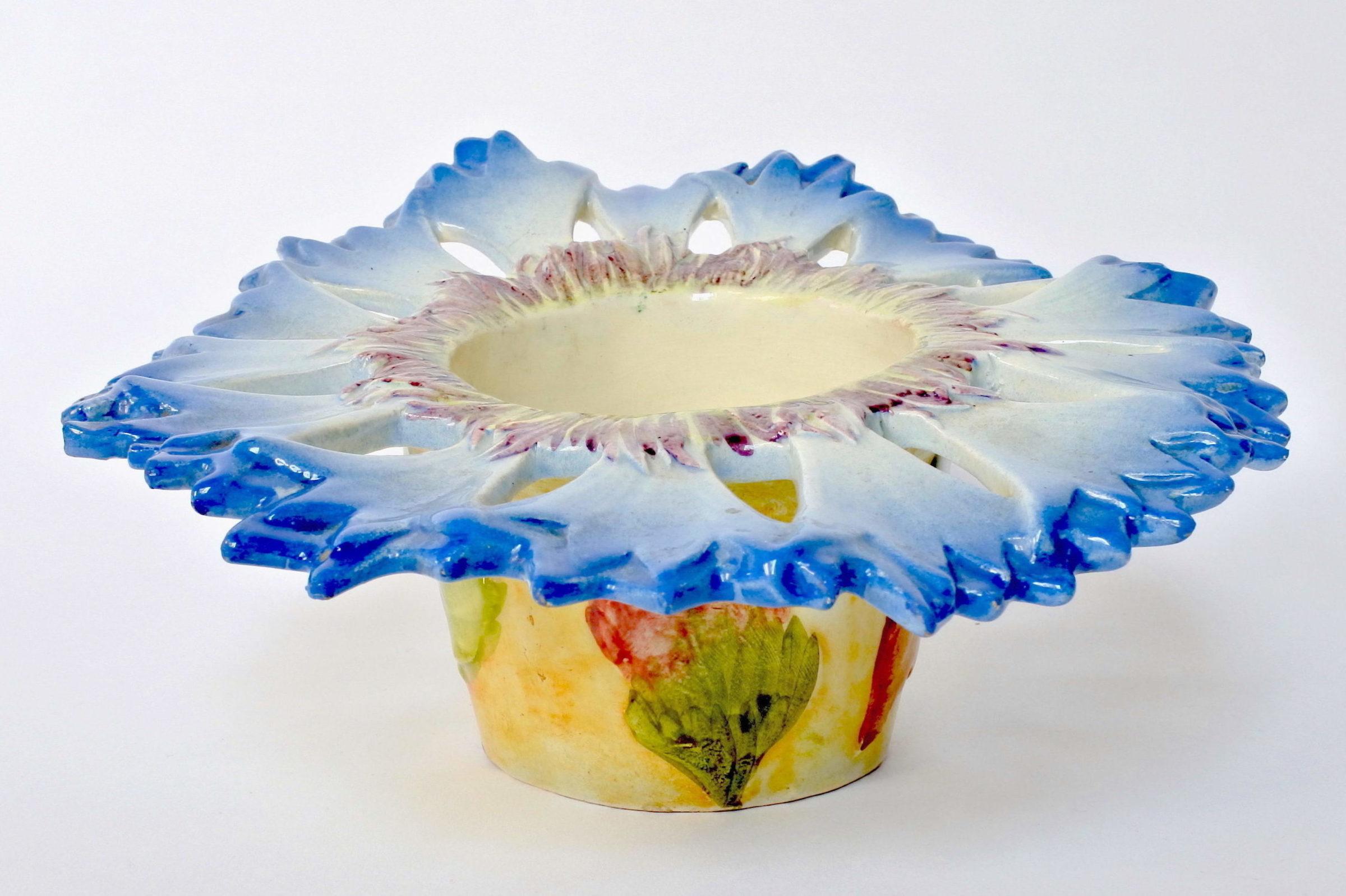 Cache pot Massier in ceramica barbotine a forma di fiordaliso