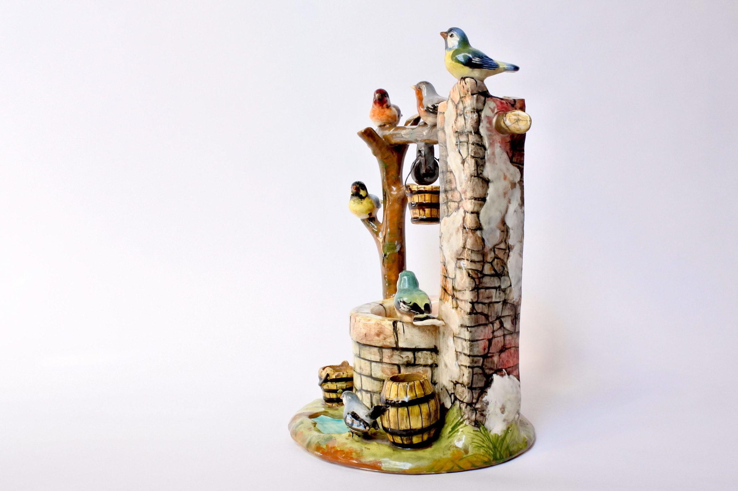 Jardinière Massier in ceramica barbotine a forma di pozzo con uccellini - 2