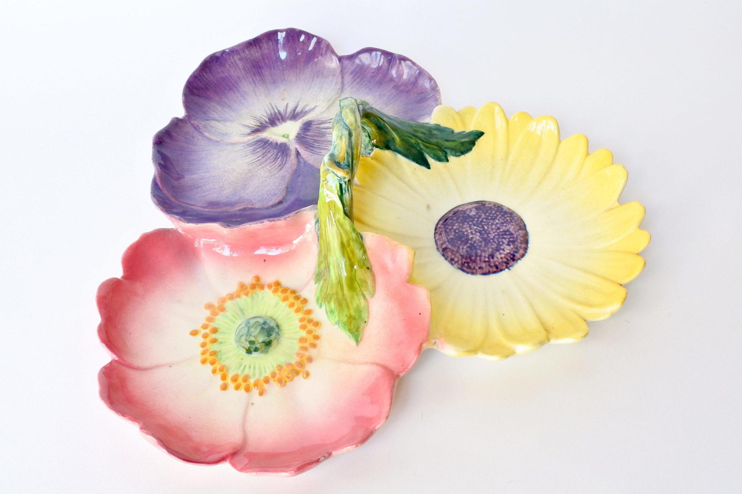 Centro tavola Massier in ceramica barbotine a forma di 3 fiori - 3