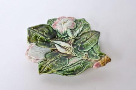 Svuotatasche in ceramica barbotine a forma di fiori e foglie