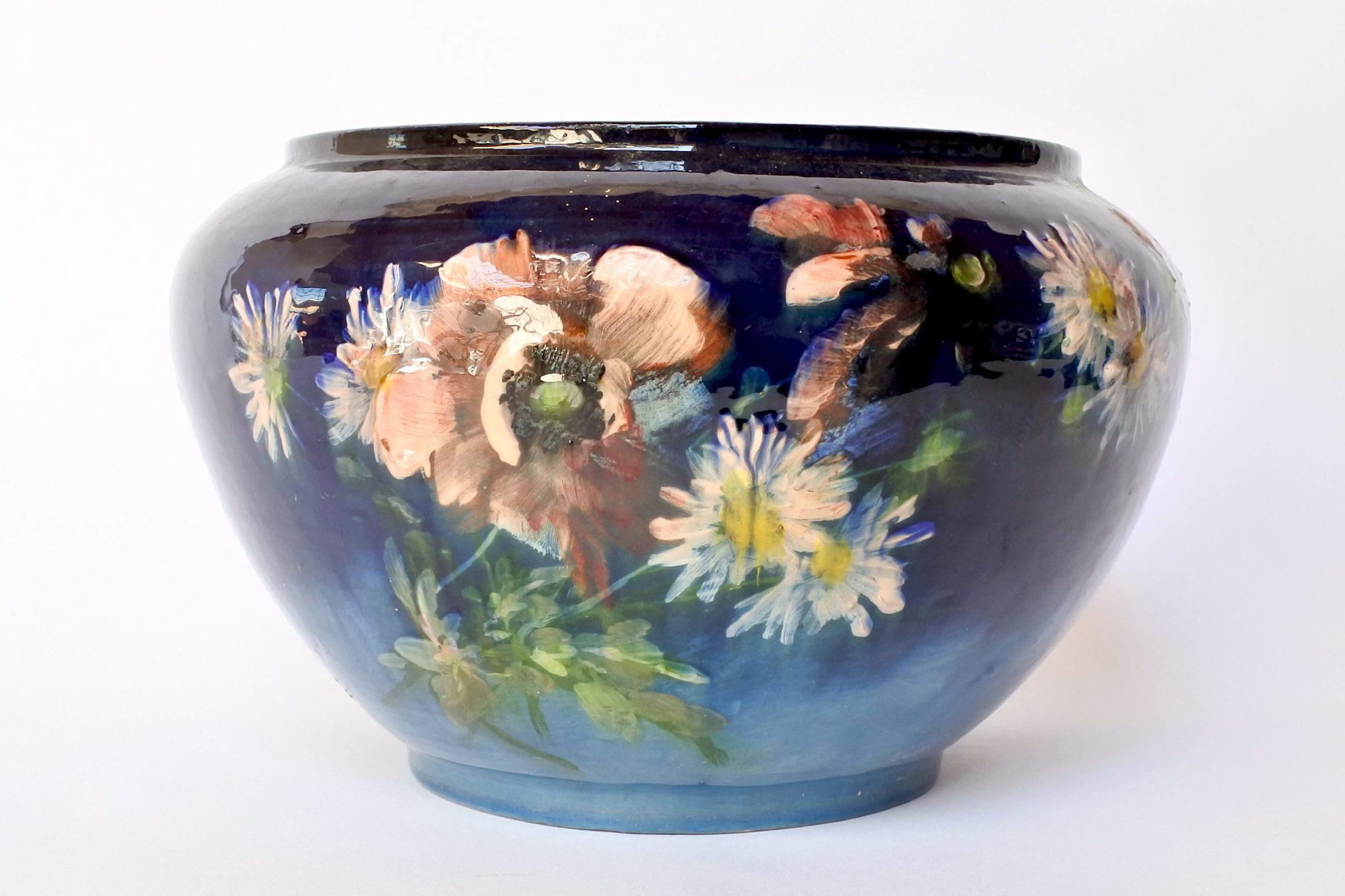 Cache pot in maiolica con decoro impressionista floreale smaltato