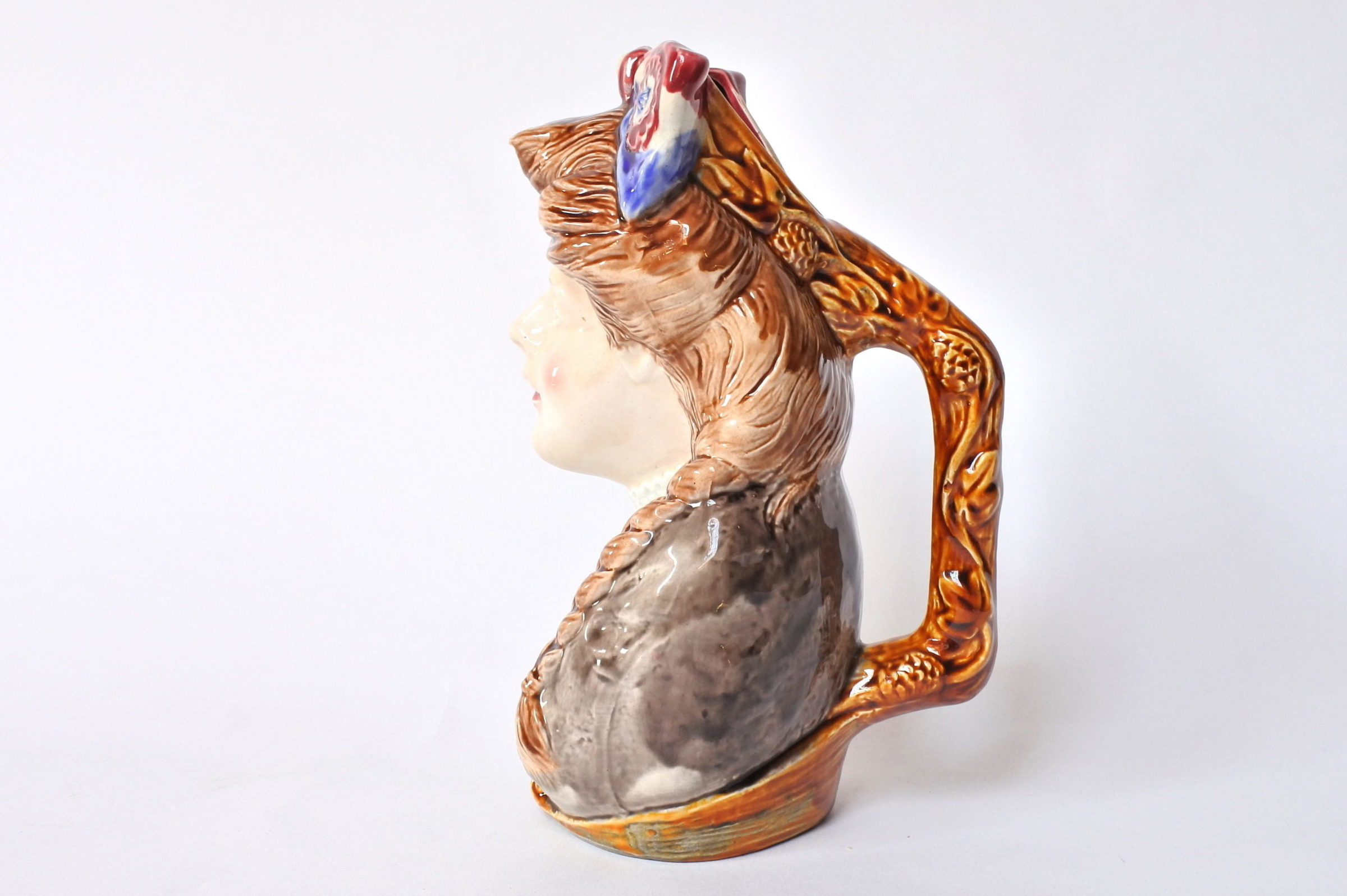 Brocca in ceramica barbotine a forma di volto donna - Onnaing n° 808 - 2
