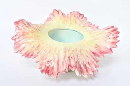 Cache pot Massier in ceramica barbotine a forma di dalia