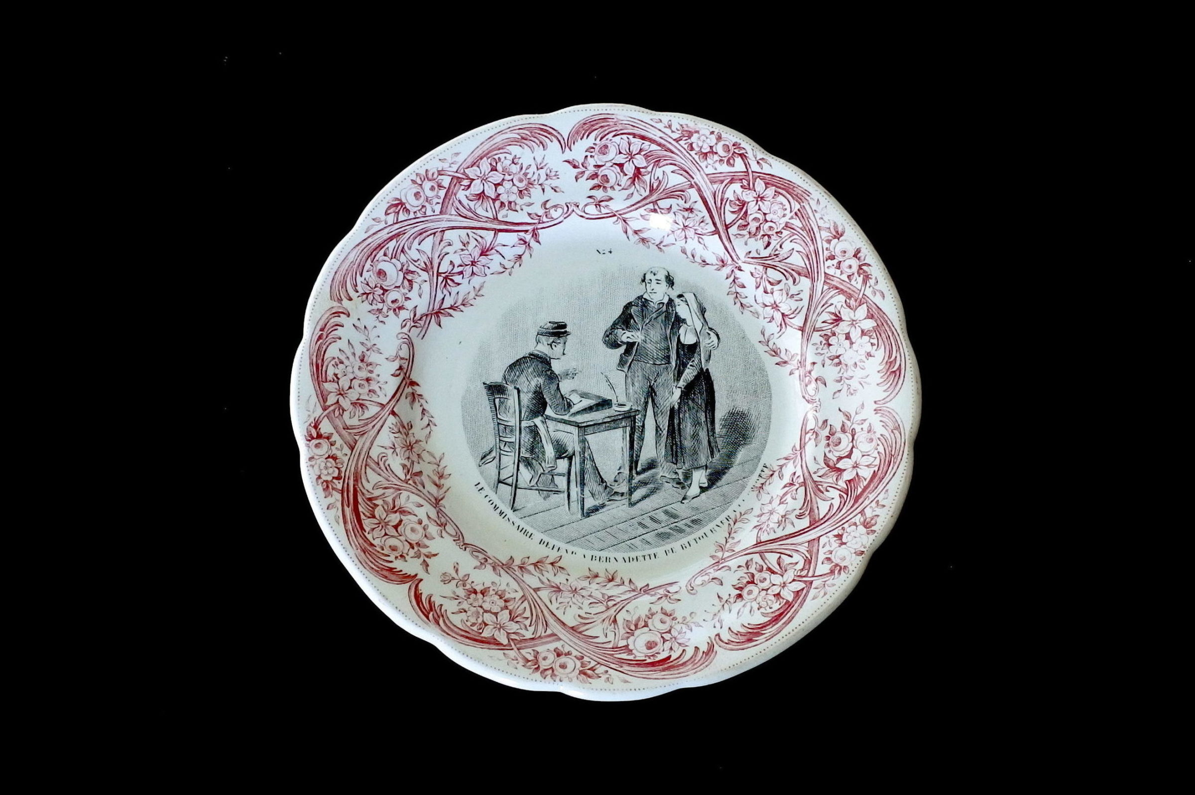 Serie completa di 12 piatti in ceramica dedicati alla vita di Bernadette - 5