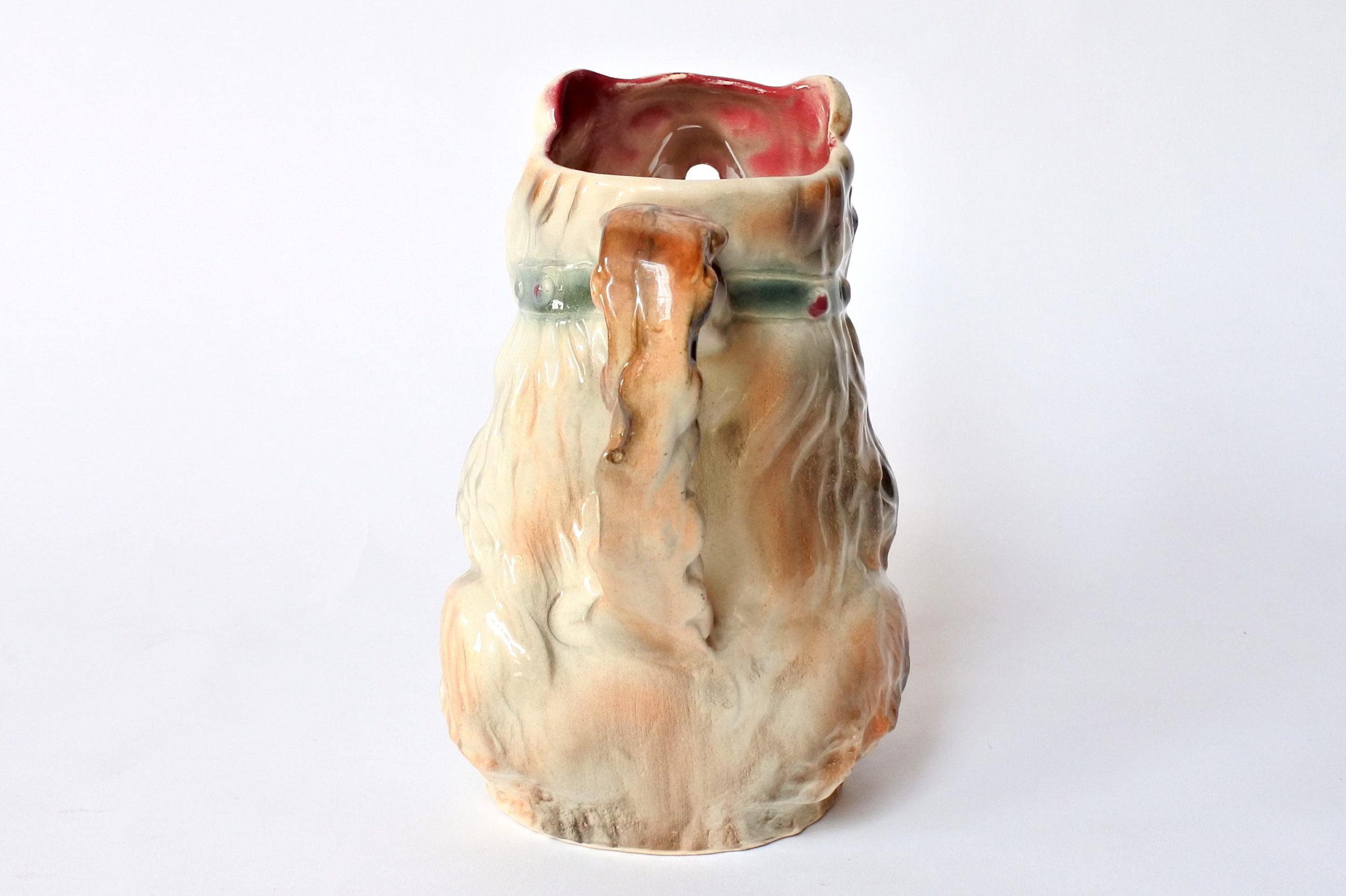 Brocca in ceramica barbotine a forma di orso con tamburo - 3