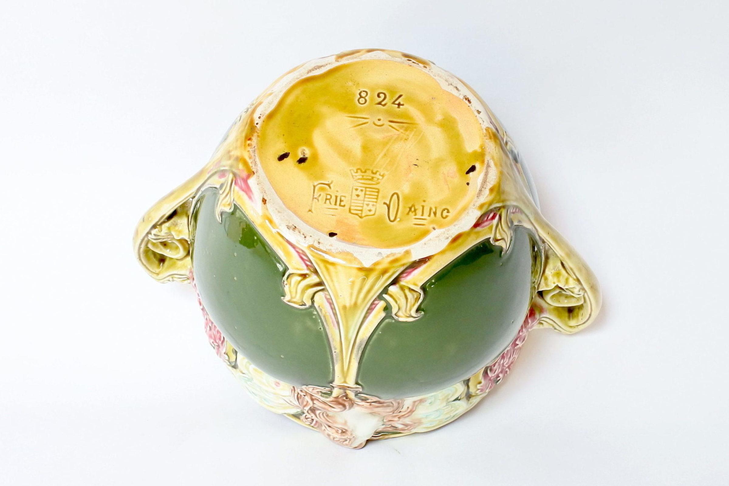 Cache pot in ceramica barbotine decorato con donna alata - Onnaing n° 824 - 7