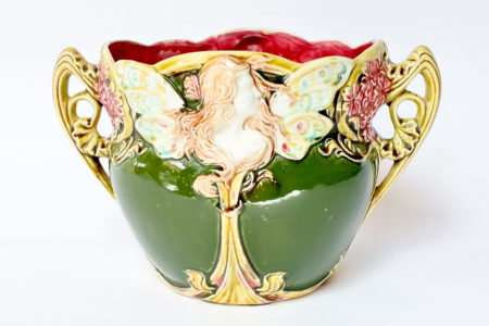 Cache pot in ceramica barbotine decorato con donna alata - Onnaing n° 824
