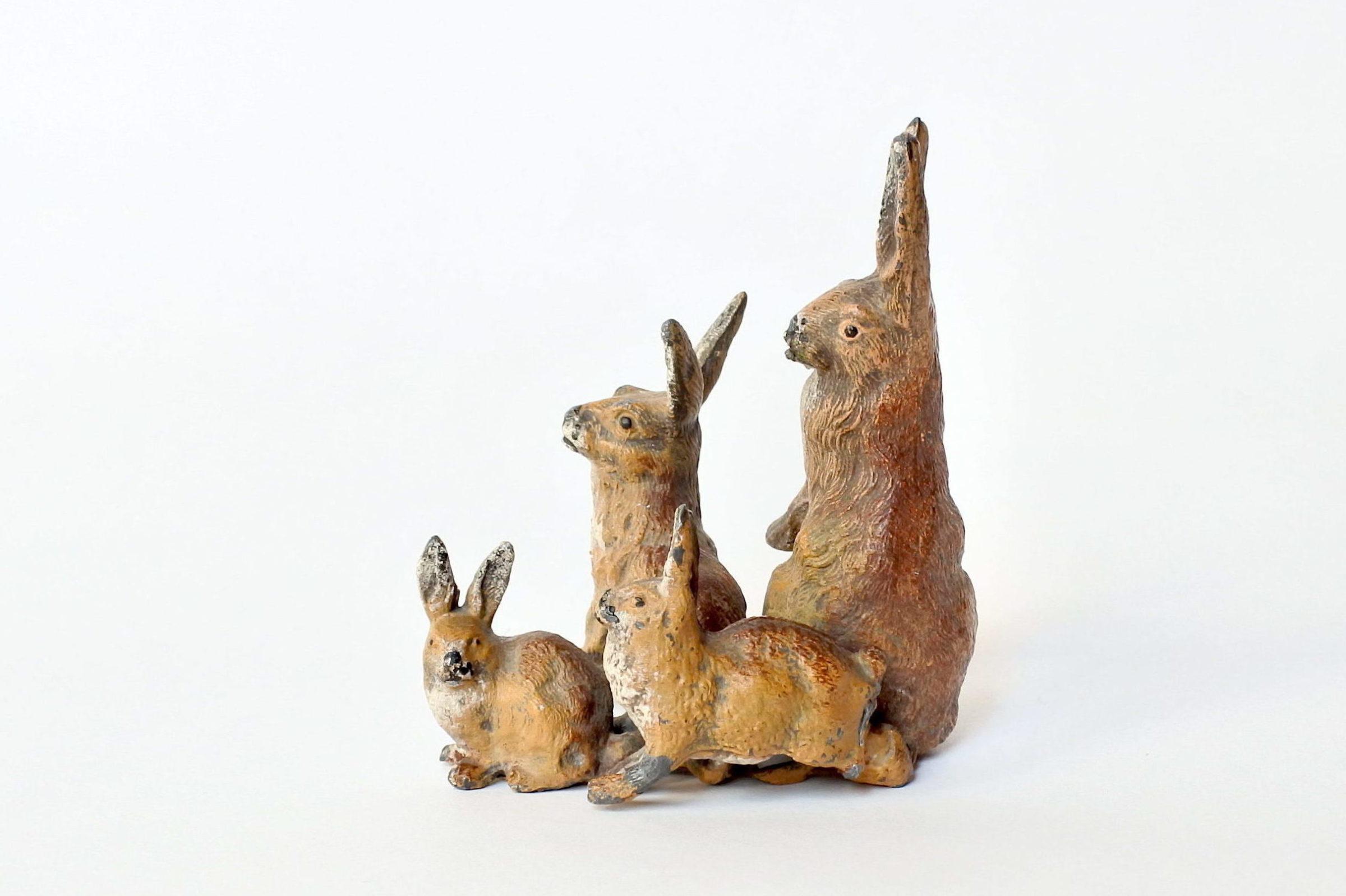 Gruppo di leprotti in piombo di Norimberga policromo - 2