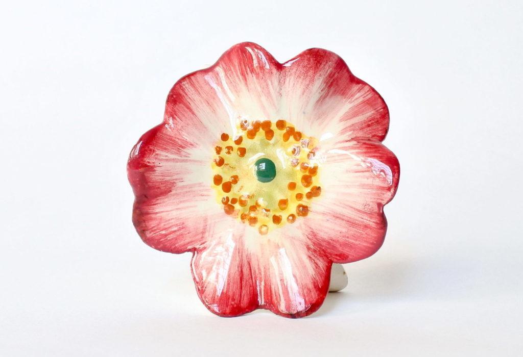 Porta menu o segnaposto in ceramica barbotine a forma di rosa canina - Massier