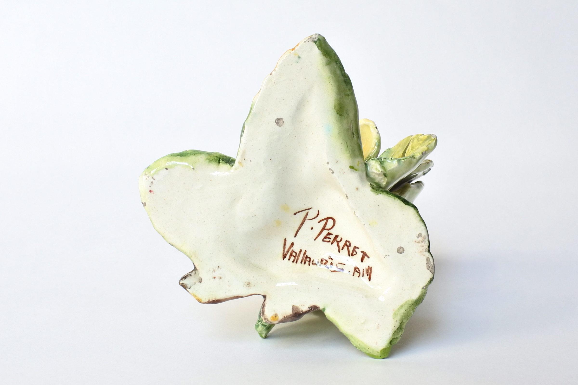 Porta menu o segnaposto in ceramica barbotine a forma di rosa gialla - Massier - 6