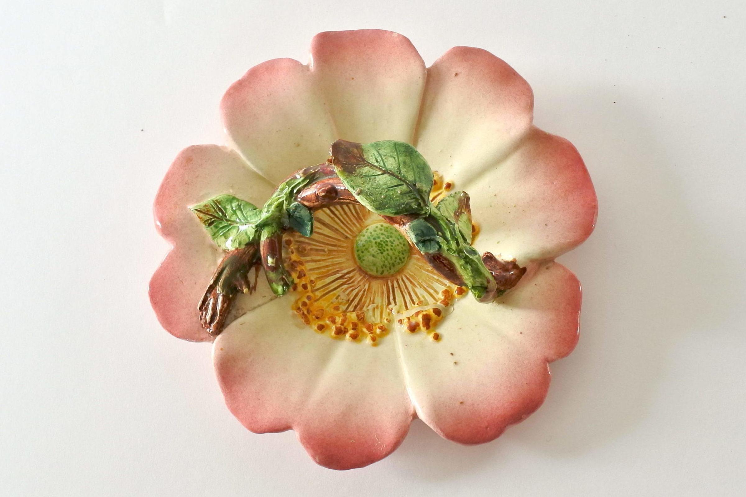 Cestino in ceramica barbotine a forma di rosa canina - Delphin Massier - 7
