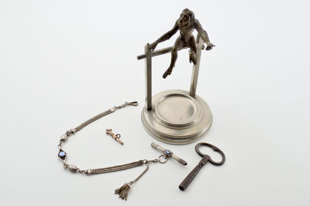 Accessori per orologi antichi e di antiquariato