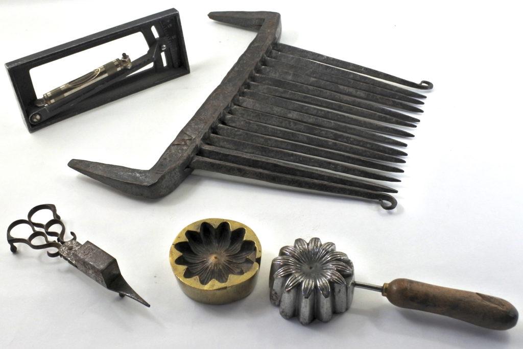 Oggetti in metallo antichi e di antiquariato dal XVIII° secolo