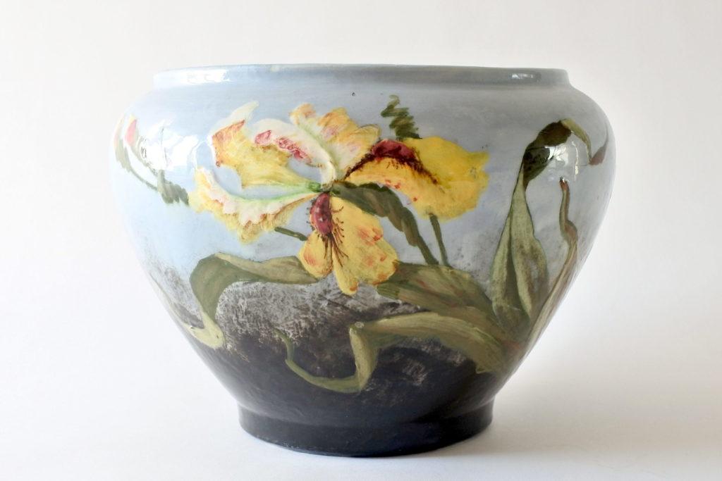 Cache pot in ceramica barbotine con iris - Jérôme Massier Fils