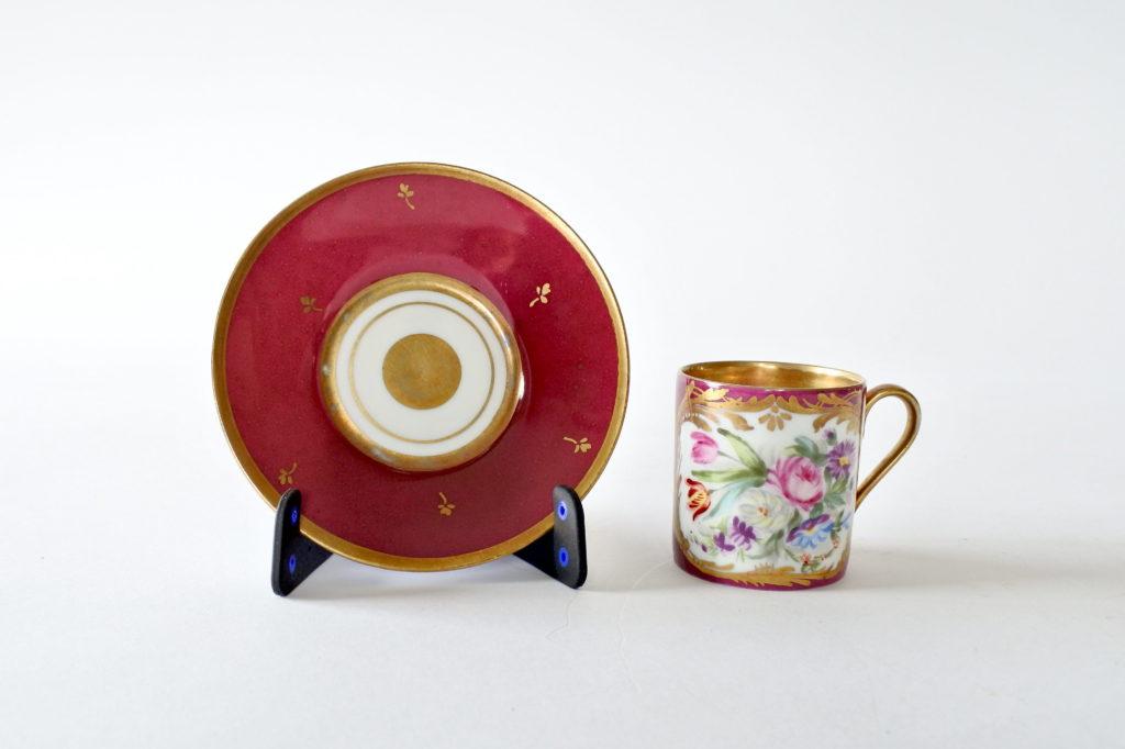 Tazzina antica in porcellana di Limoges con decoro di fiori - 6