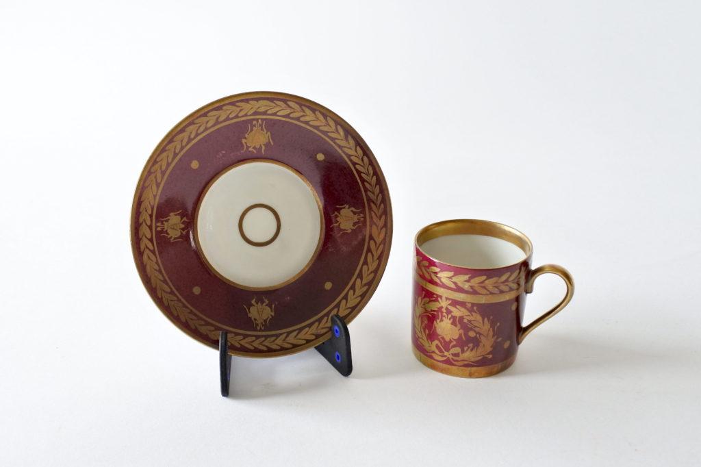Tazzina antica in porcellana di Limoges decorata in oro su fondo bordeaux - 8