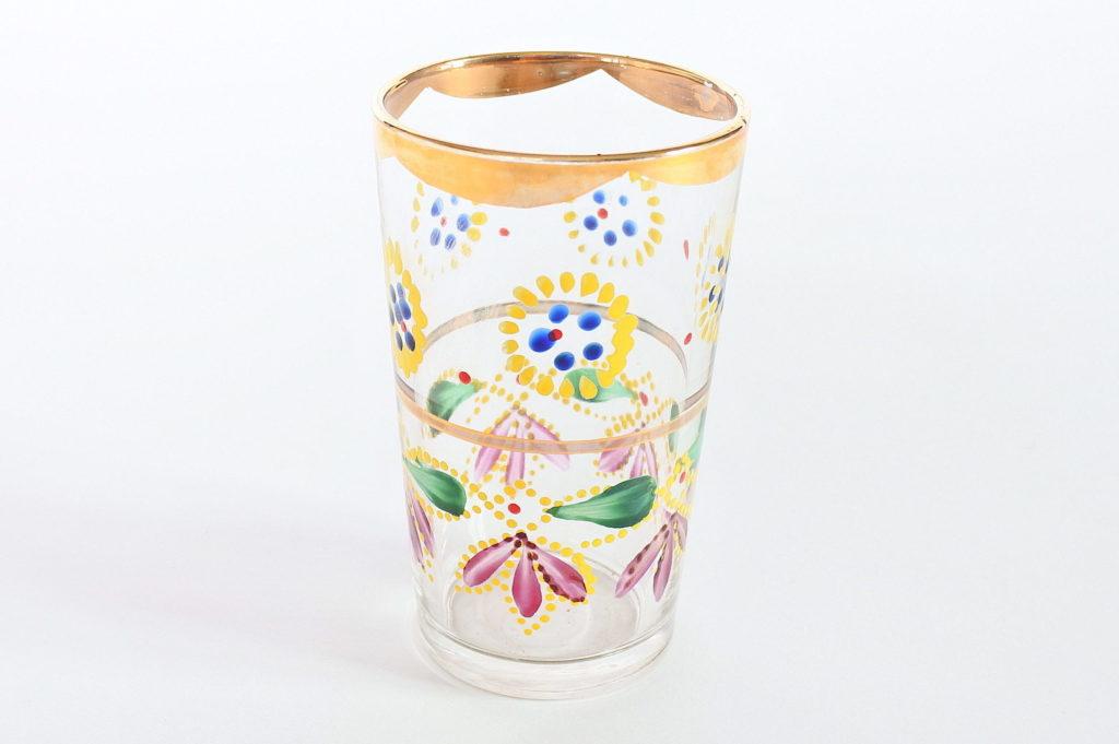 Bicchiere in vetro soffiato con decoro di fiori e bordi in oro