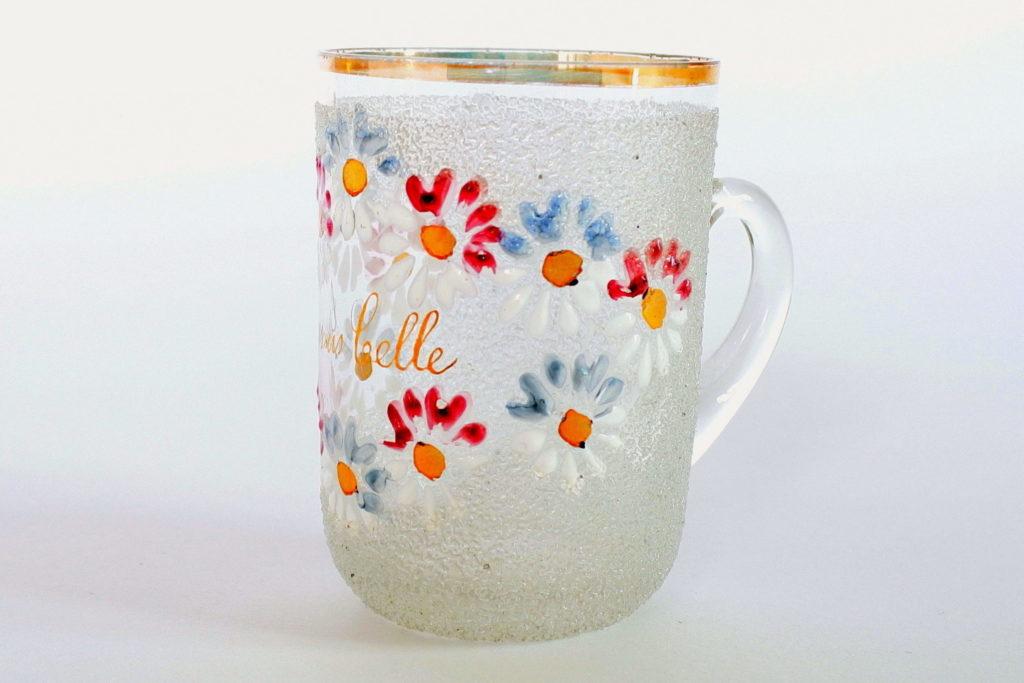 Bicchiere ricordo in vetro soffiato con manico e decoro di fiori