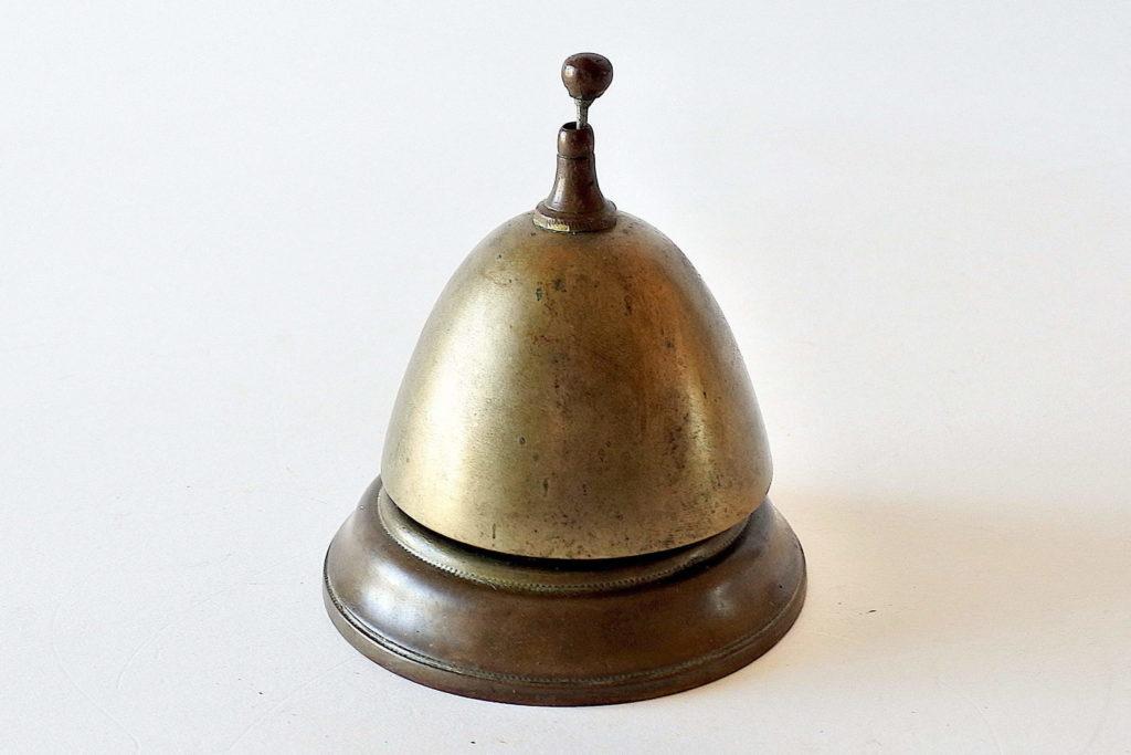 Campanello da banco in bronzo con funzionamento a percussione