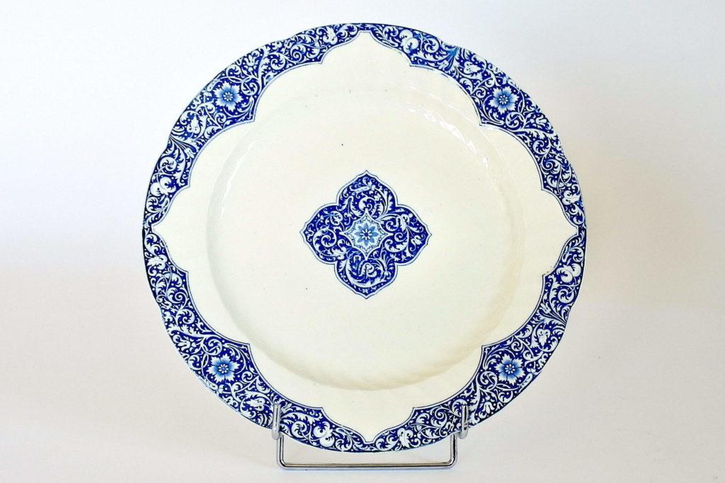 Piatto tondo in ceramica di Gien con decoro blu