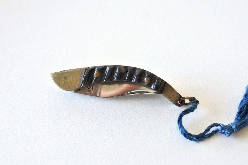 Piccolo coltellino a serramanico con lama in acciaio inox - Navaja