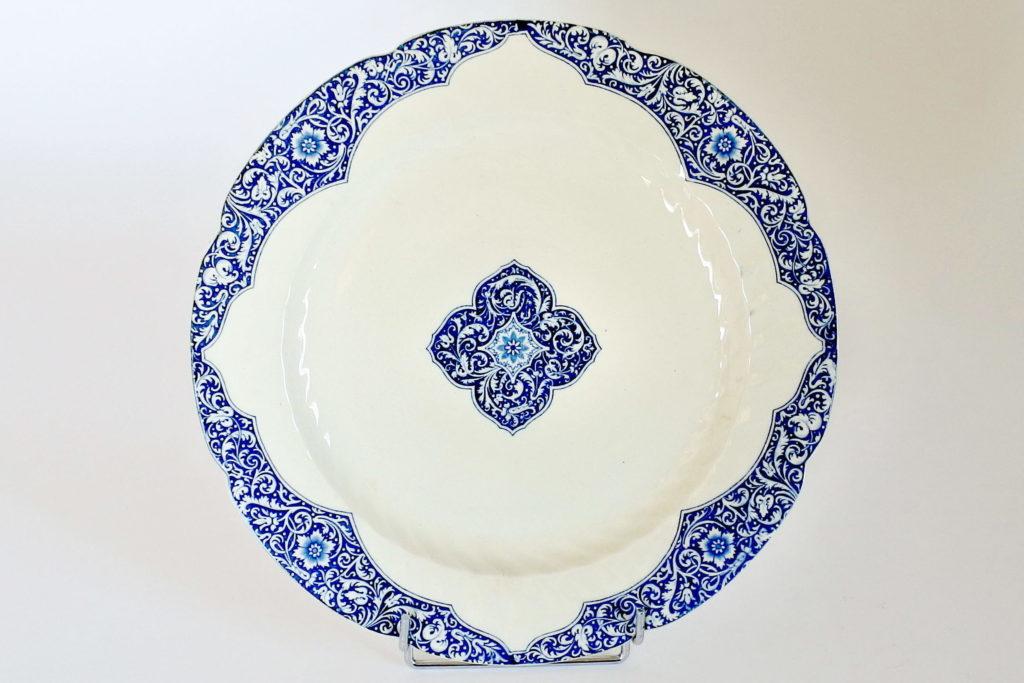Grande piatto di servizio tondo in ceramica di Gien