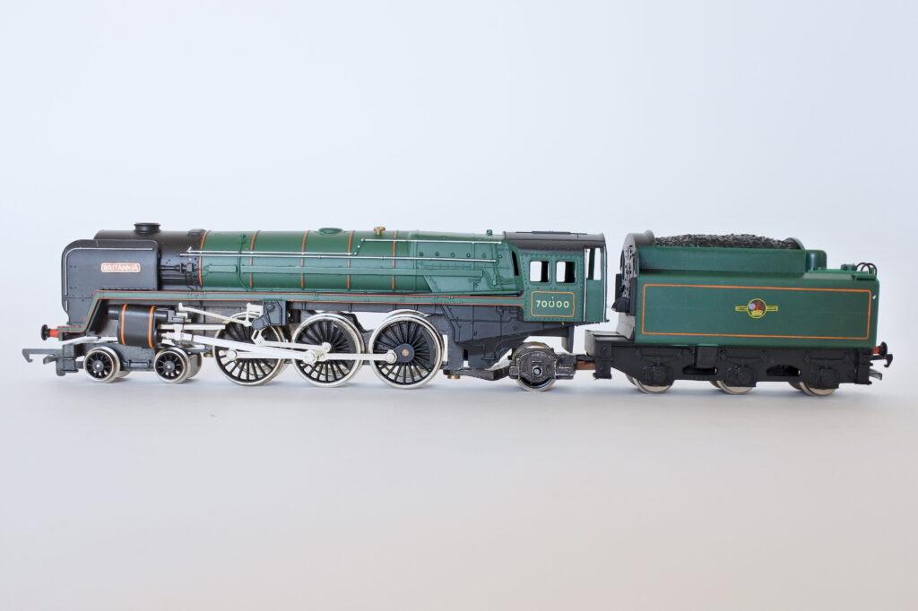 Locomotiva Hornby R.063 Britannia 70000 scala 00
