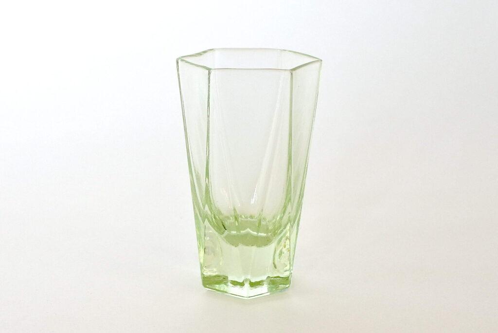 Bicchierino da rosolio di forma esagonale in vetro soffiato verde acqua