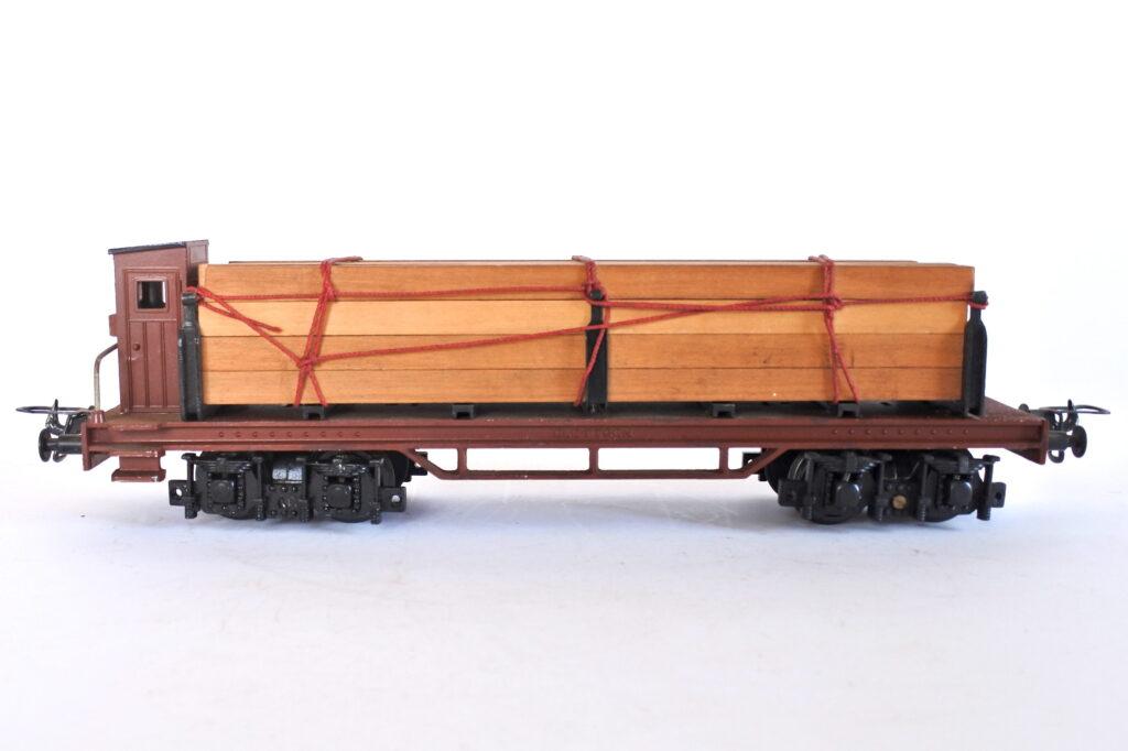Carro merci porta travi Elettren PT 105 scala 0 con stanti e garitta