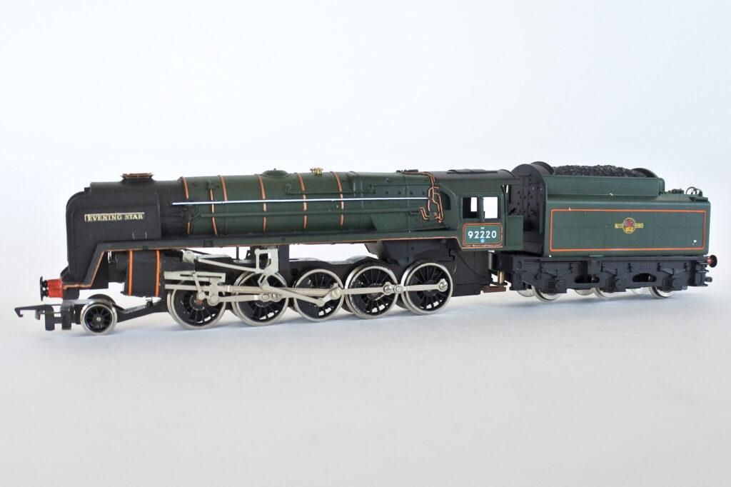 Locomotiva Hornby R.065 92220 Evening Star classe 9F scala 00