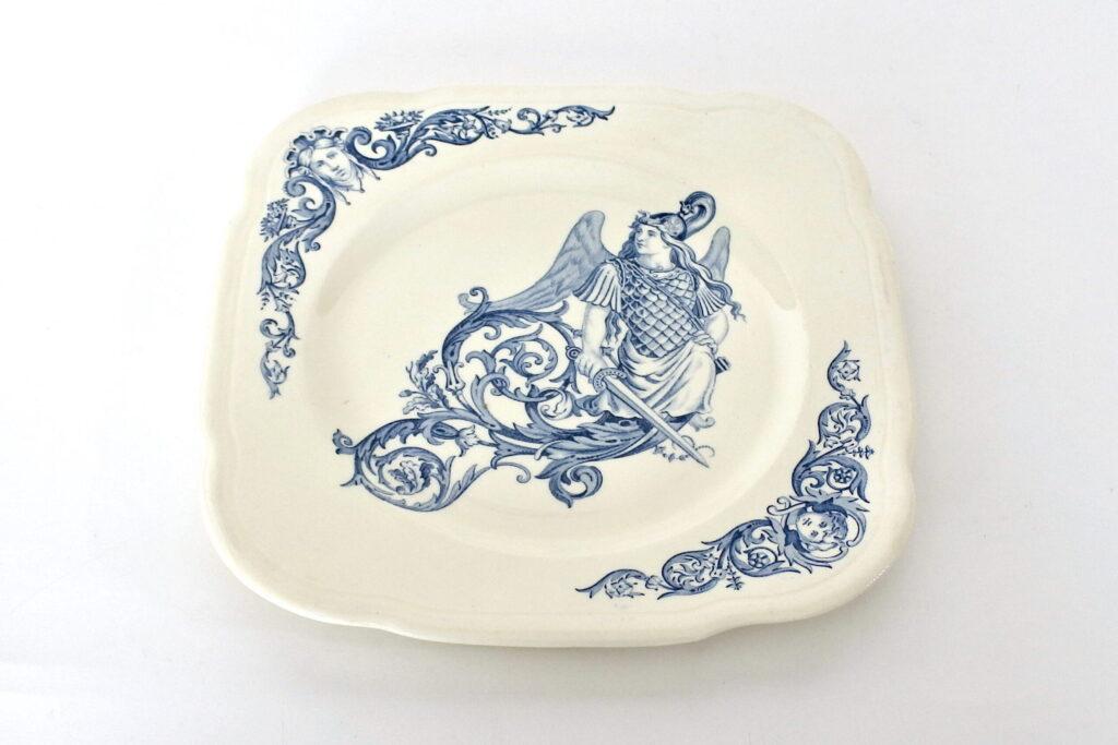 Piatto in ceramica di Clairefontaine con angelo guerriero con spada