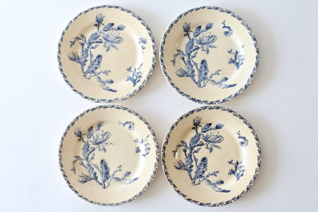 4 piatti piani in ceramica di Gien del 1878 con decoro cactus