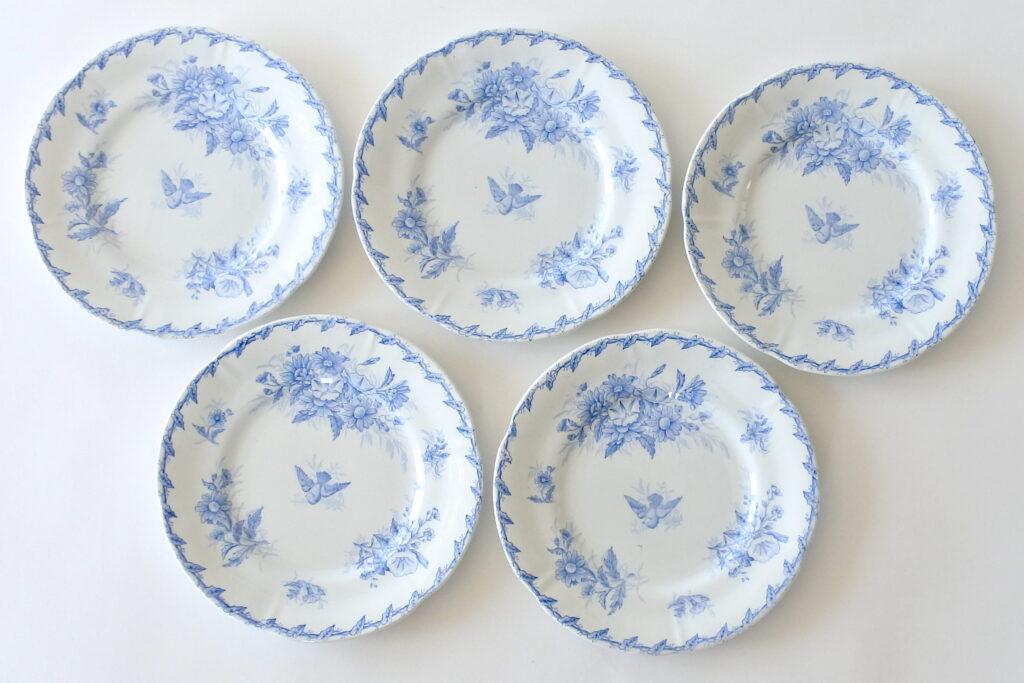 5 piatti da frutta in ceramica di Gien del 1875 decorati in azzurro con colomba e fiori