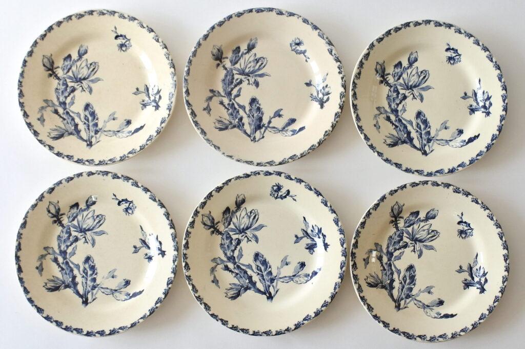 6 piatti piani in ceramica di Gien del 1878 con decoro cactus blu