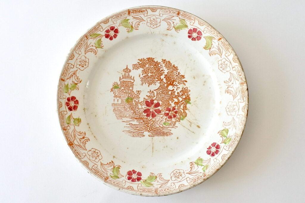 Piatto in ceramica di Mondovì con decoro a cineseria - Vedova Besio & Figlio